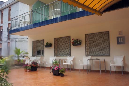 Hotel Mino: Вход