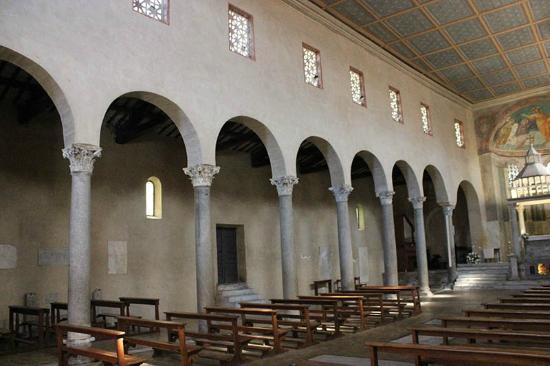 Arco degli argentari picture of san giorgio in velabro for Arco arredamenti san giorgio
