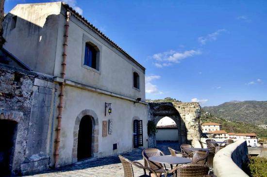 Wine Shop Wine-Bar Dioniso Vini Di Andrea Morabito
