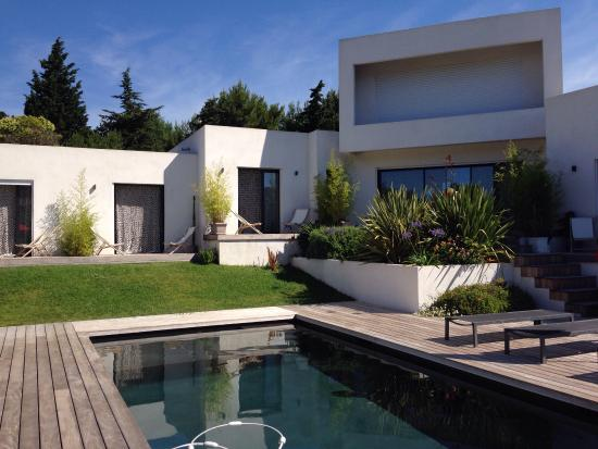 modern clean and quiet review of villa le sud cassis france tripadvisor. Black Bedroom Furniture Sets. Home Design Ideas
