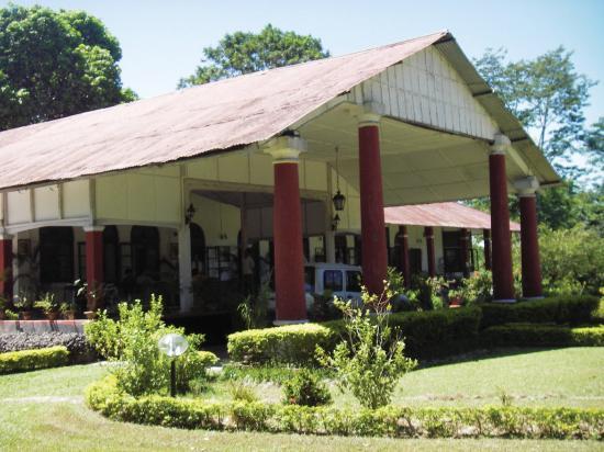 Burra Sahib's Bungalow: Exterior
