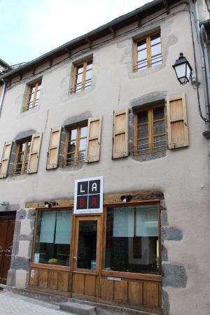 La Ba Restaurant