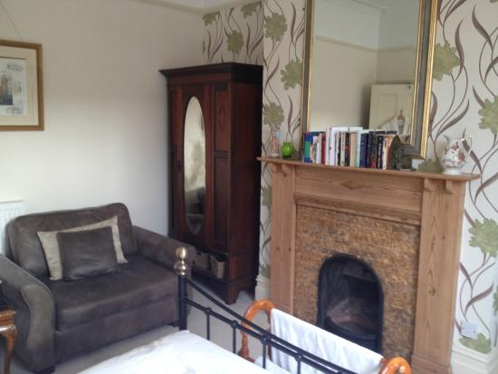 The Warwick Guest House: Bedroom