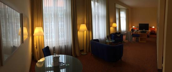 Mercure Hotel & Residenz Berlin Checkpoint Charlie: Great Upgrade! Spoiled