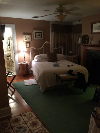 Thurston House Bed and Breakfast: Cubbedge Room