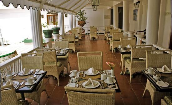 جرينادين هاوس: Restaurant