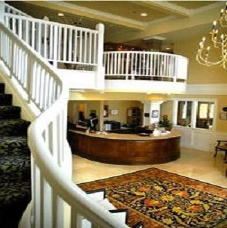 Majestic Inn and Spa: Lobby view