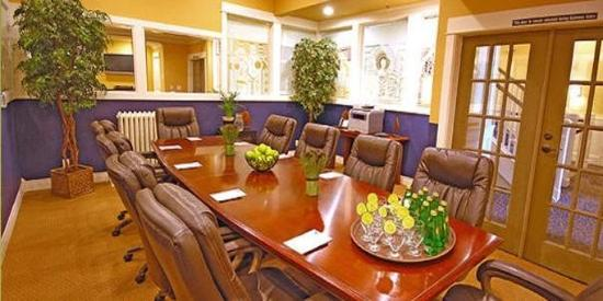 Majestic Inn and Spa: Meeting Room