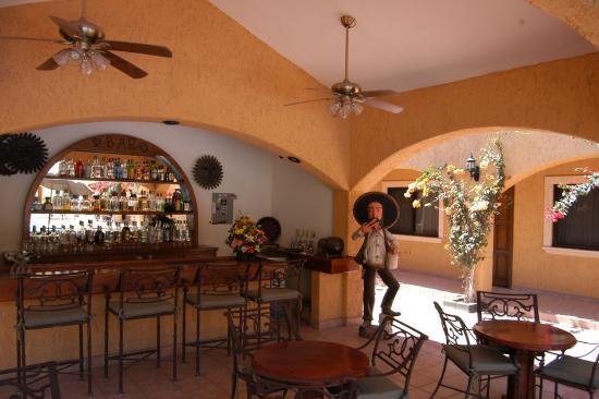 Hacienda Suites: La Molienda Bar