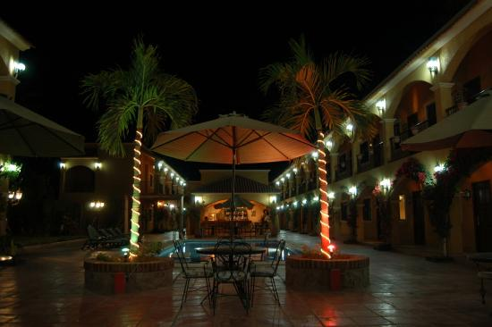 Hacienda Suites: Night View