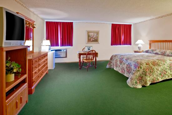 Morton, MN: One King Bed Suite
