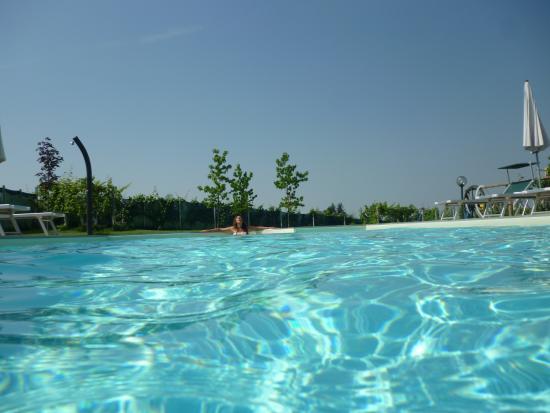 Il Grappolo Vacanze: ...in piscina..