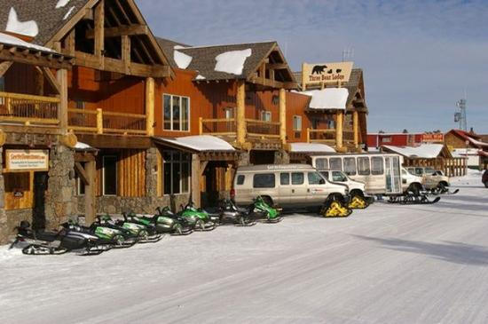 Three bear lodge 198 2 0 9 updated 2018 prices for Yellowstone cabins west yellowstone