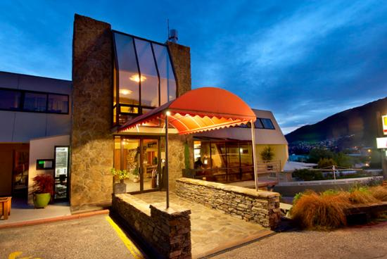 Earnslaw Lodge : Exterior