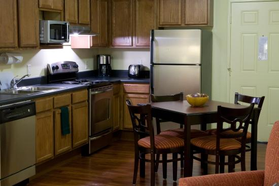 Tuscaloosa Extended Stay Hotel: Suite