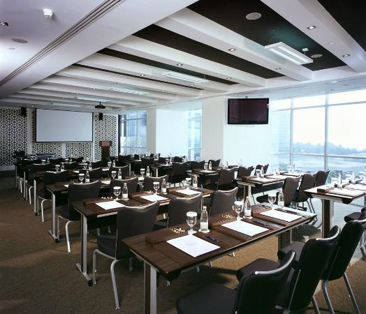 โอเอซิสบีชทาวเวอร์ อพาร์ทเมนส์: Business Center - Meeting Room