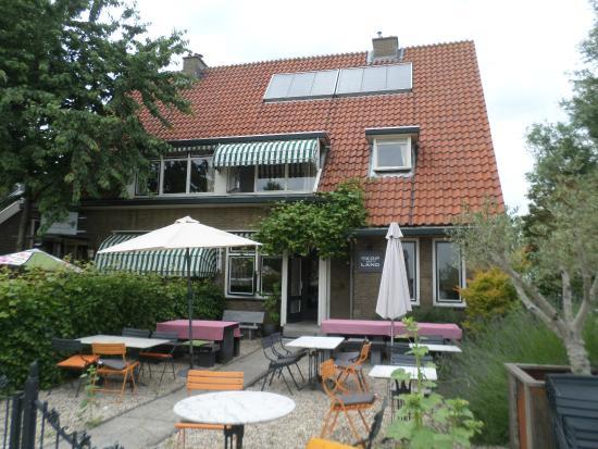 Bed en breakfast met beneden het restaurant en terras foto van kop van het land dordrecht for Lay outs terras van het restaurant