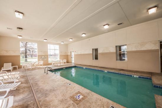 Sleep Inn & Suites: Pool