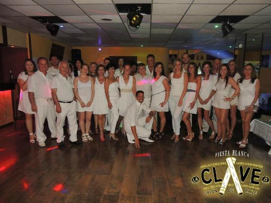 White party bild von la clave discoteca latina marbella for La clave marbella