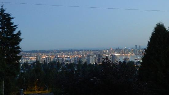 Crystal's View Vancouver Bed and Breakfast: Uitzicht over Vancouver