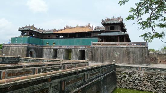 The Noon Gate (Cua Ngo Mon) : Ворота Noon Gate