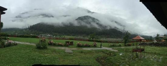 Pahalgam Hotel: Scenic Beauty