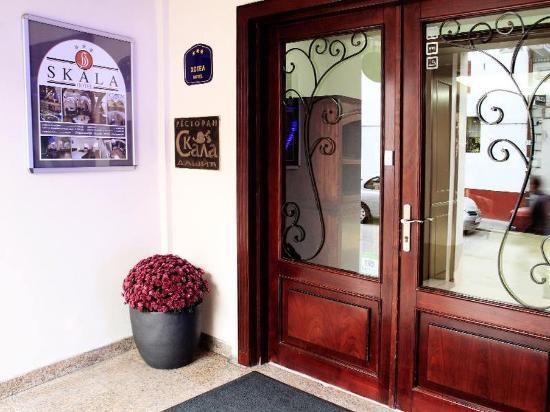 Skala Hotel: Entrance