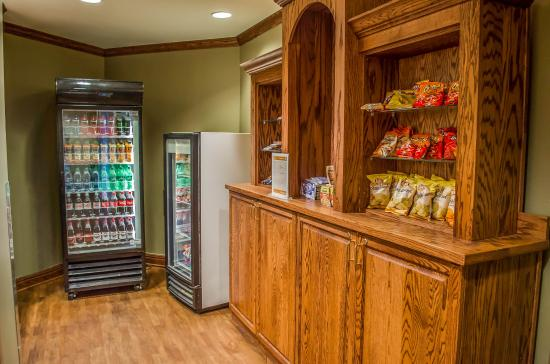 Comfort Inn & Suites: Vending