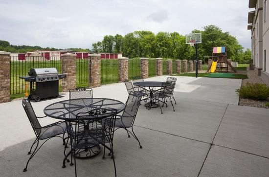 GrandStay Residential Suites Hotel Faribault : Bar Lounge