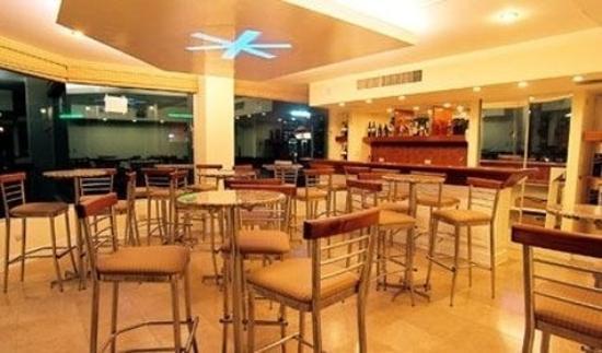 Nido Inn: Dining Room
