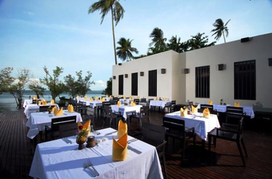 Bhu Nga Thani Resort and Spa: Restaurant