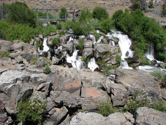 Motel 6 Redmond: Cline Falls enroute to Sisters, OR