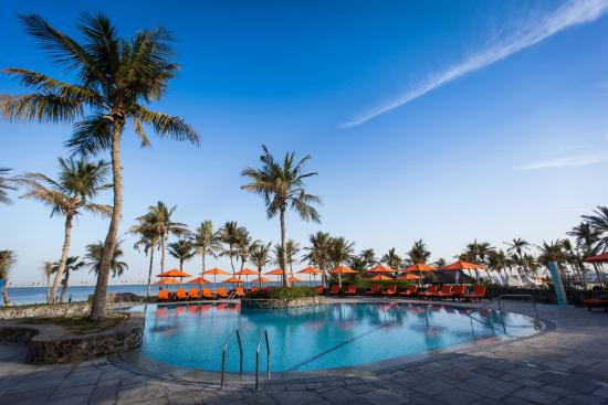 JA Palm Tree Court - Signature Swimming Pool