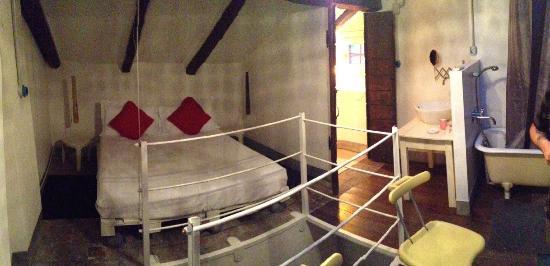 19 Borgo Cavour: Turchese bedroom