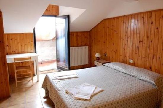 Hotel la Perla: Aptic Room