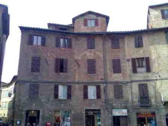 لا يرلا: Hotel External View