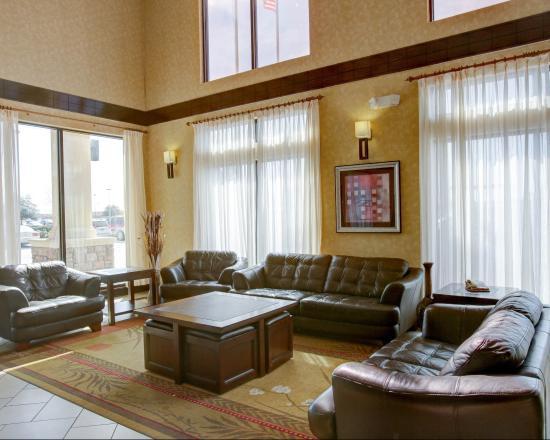 Comfort Suites: TXCLobby