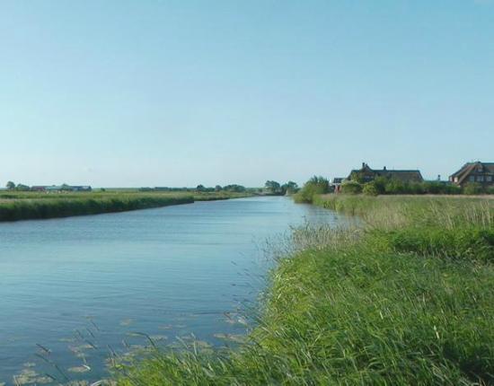 Hotel Arlau-Schleuse: Der Fluss Arlau und das Hotel