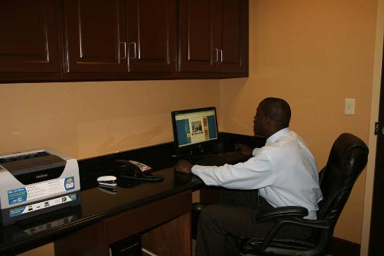 Hampton Inn & Suites Beach Boulevard/Mayo Clinic Area: Free Internet