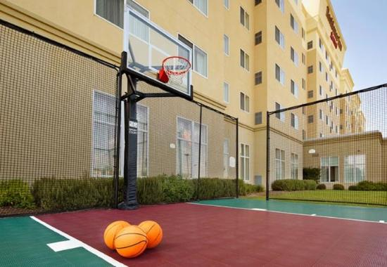 Residence Inn San Antonio Six Flags® at The RIM: Sport Court