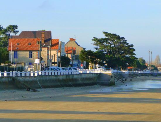 Le village en bord de mer, Hôtel Le Nautile, Oléron