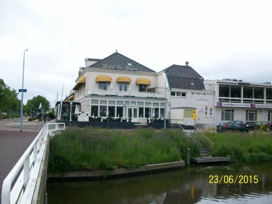 Hotel De Beurs: side of hotel