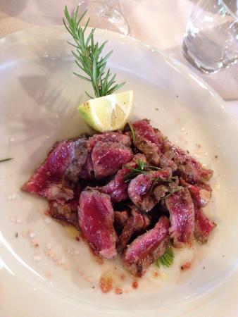 Agri-Bio il Poggio: Filetto all'aceto balsamico, tagliata, grigliata mista, verdure grigliate