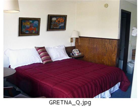 Gretna Inn: Guest room