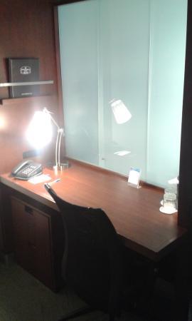 SpringHill Suites Quakertown: scrivania
