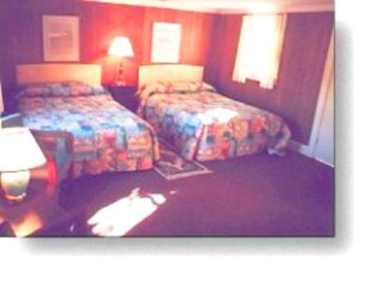 Ellsworth, ME: Guest Room