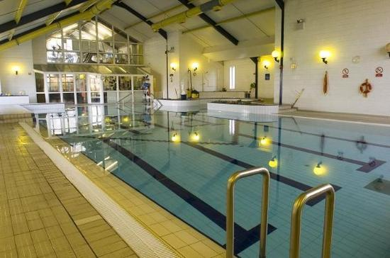 Park Hotel & Leisure Centre: Pool view