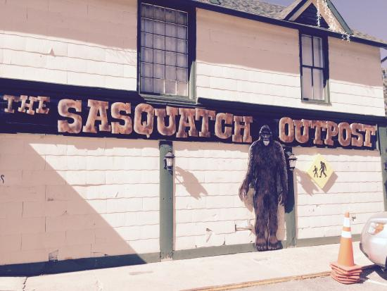 ‪‪The Sasquatch Outpost‬: getlstd_property_photo‬