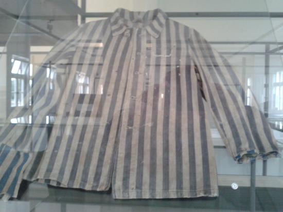 Neuengamme Concentration Camp Memorial: divisa di un deportato