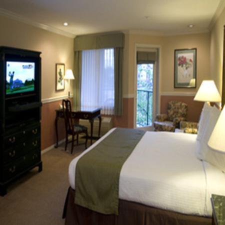 Grand Hotel In Tualatin Oregon